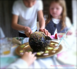 Pinata Cake 2